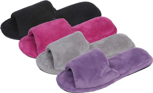 Wholesale Footwear Women's Plush Slipper
