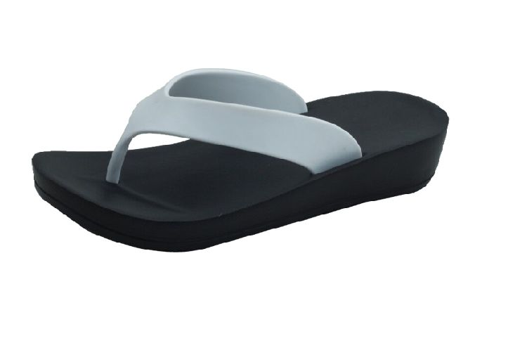 Wholesale Footwear Ladies' Wedge Sandals In White/Black
