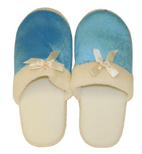 Wholesale Footwear Women's Fuzzy Winter Slipper
